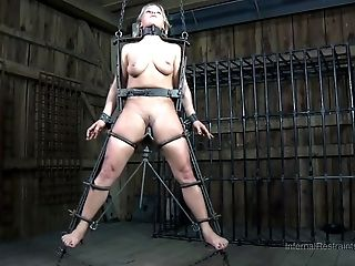 BDSM, Cute, Dia Zerva, Fetish, Punishment, Sexy, Submissive, Torture,